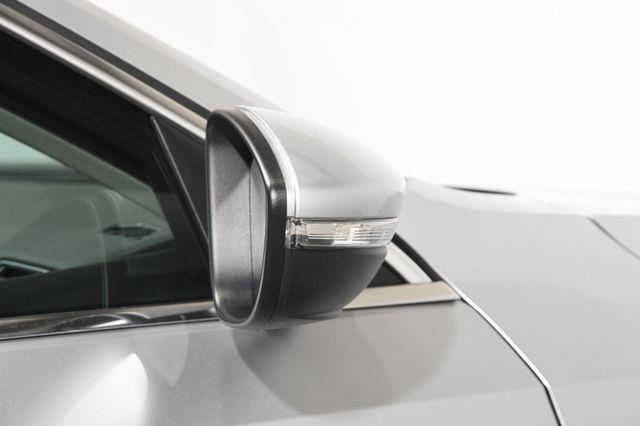 2016 Volkswagen Passat 3.6L V6 SEL Premium photo
