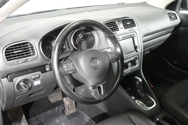 2013 Volkswagen Jetta SportWagen TDI photo