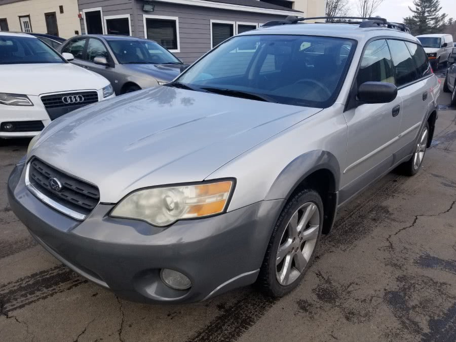 The 2006 Subaru Outback 2.5i photos