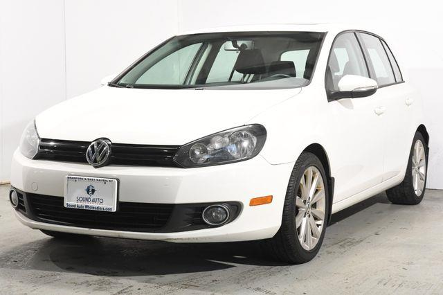 The 2012 Volkswagen Golf TDI photos