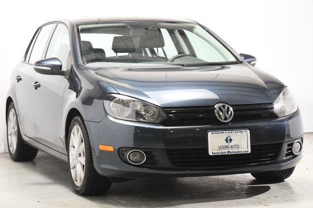 The 2011 Volkswagen Golf TDI photos