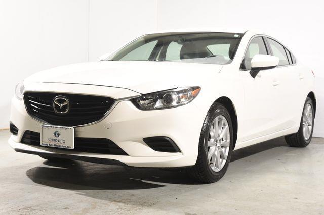 The 2016 Mazda Mazda6 i Sport photos