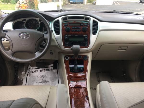 Used Toyota Highlander 4dr V6 w/3rd Row (Natl) 2006 | Carmir. Orange, California