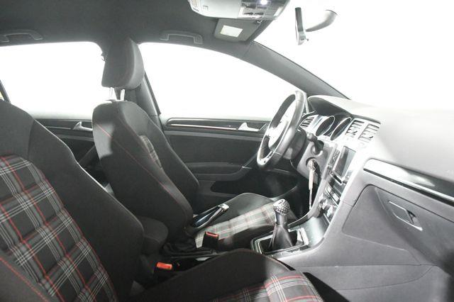 2017 Volkswagen Golf Gti Sport photo