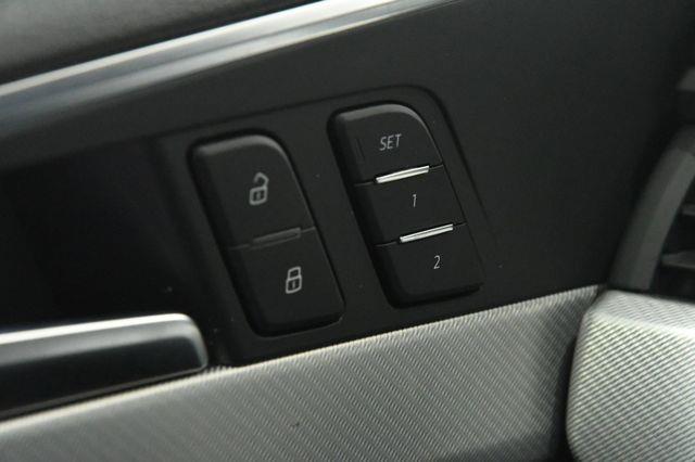 2017 Audi A4 W/ Virtual Cockpit Premium Plus photo