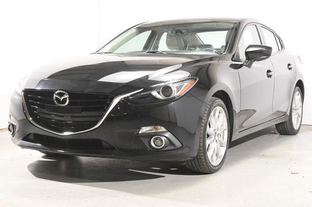 The 2015 Mazda Mazda3 s Grand Touring photos