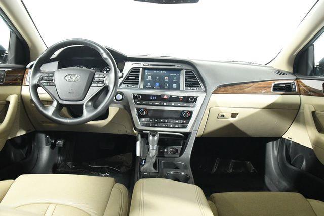2016 Hyundai Sonata 2.4L Limited w/ Ultimate Packa photo