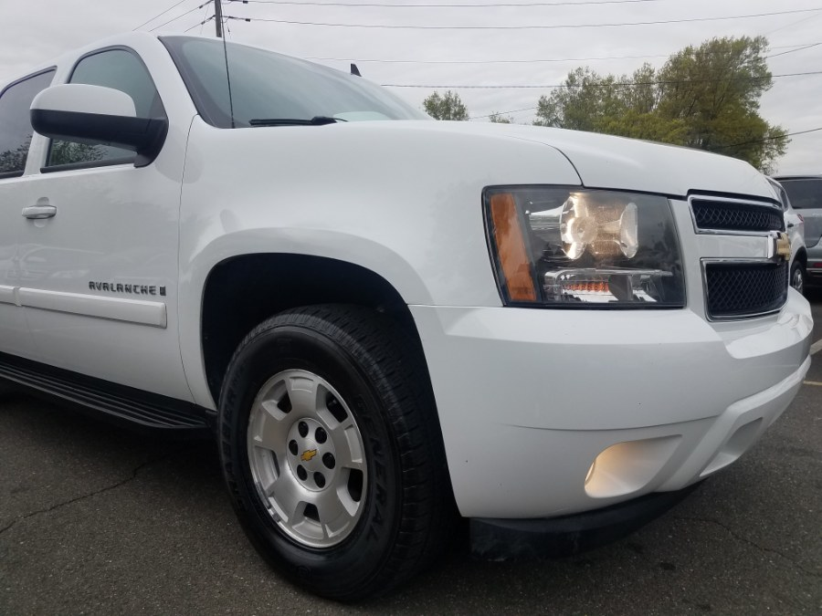 """Used Chevrolet Avalanche 4WD Crew Cab 130"""" LT w/1LT 2009 