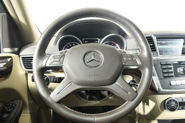 2016 Mercedes-Benz GL 450 Nav & Blind Spot photo