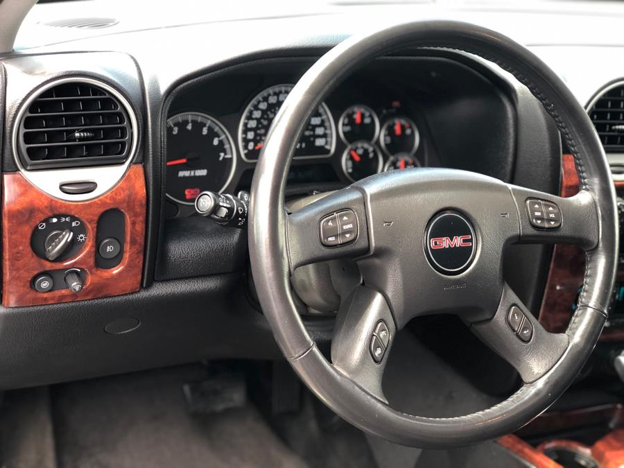 Used GMC Envoy 4WD 4dr SLT 2007 | Trinity Auto. Bronx, New York