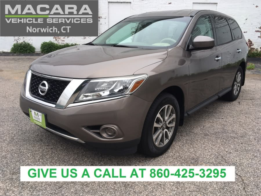 Used Nissan Pathfinder 4WD 4dr S 2013 | MACARA Vehicle Services, Inc. Norwich, Connecticut