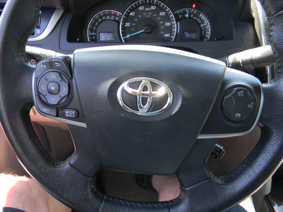 Used Toyota Camry 4dr Sdn V6 Auto XLE (Natl) 2012 | M&M Vehicles Inc dba Central Motors. Southborough, Massachusetts