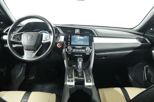 2016 Honda Civic Touring photo