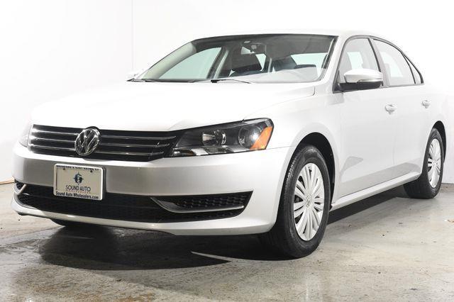 The 2015 Volkswagen Passat 1.8T S photos