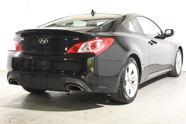 2010 Hyundai Genesis 2.0T Premium photo