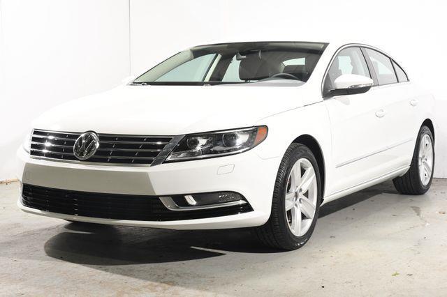 The 2016 Volkswagen CC Sport (New Car Leftover) photos