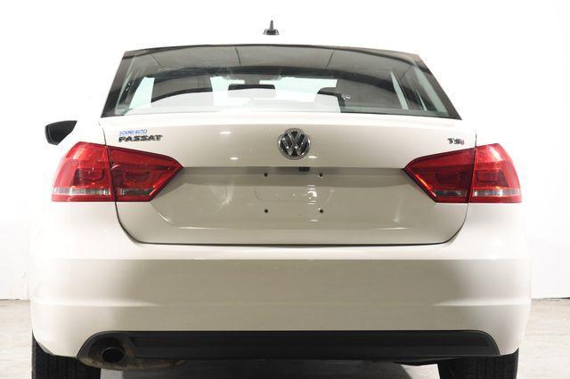 2015 Volkswagen Passat 1.8T S photo