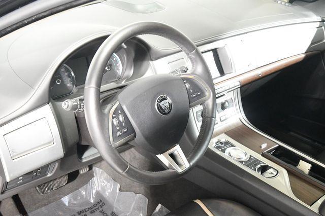 2015 Jaguar XF V6 Sport photo