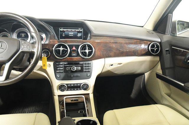 2015 Mercedes-Benz GLK 250 BlueTEC w/ Nav photo