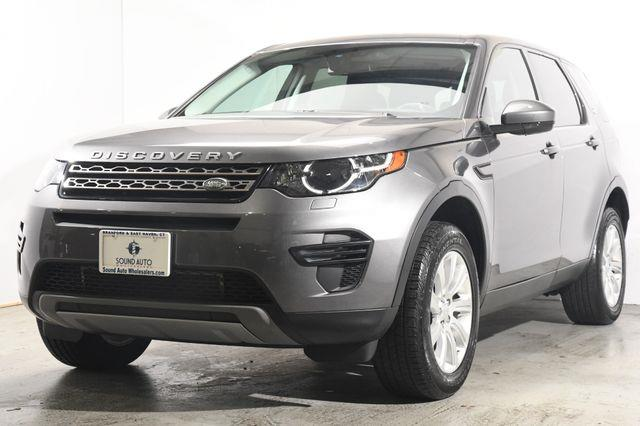 The 2016 Land Rover Discovery Sport SE photos
