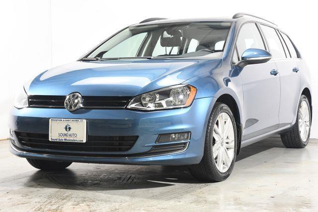 2015 Volkswagen Golf SportWagen TDI SE photo