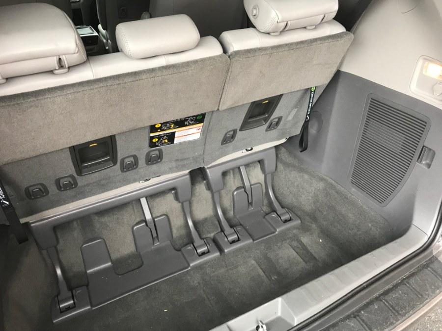 Used Toyota Sienna XLE FWD 8-Passenger (Natl) 2019 | Airway Motors. Bridgeport, Connecticut