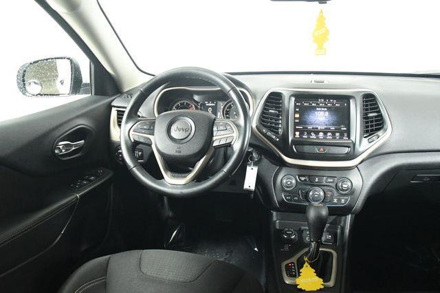 2016 Jeep Cherokee Altitude photo