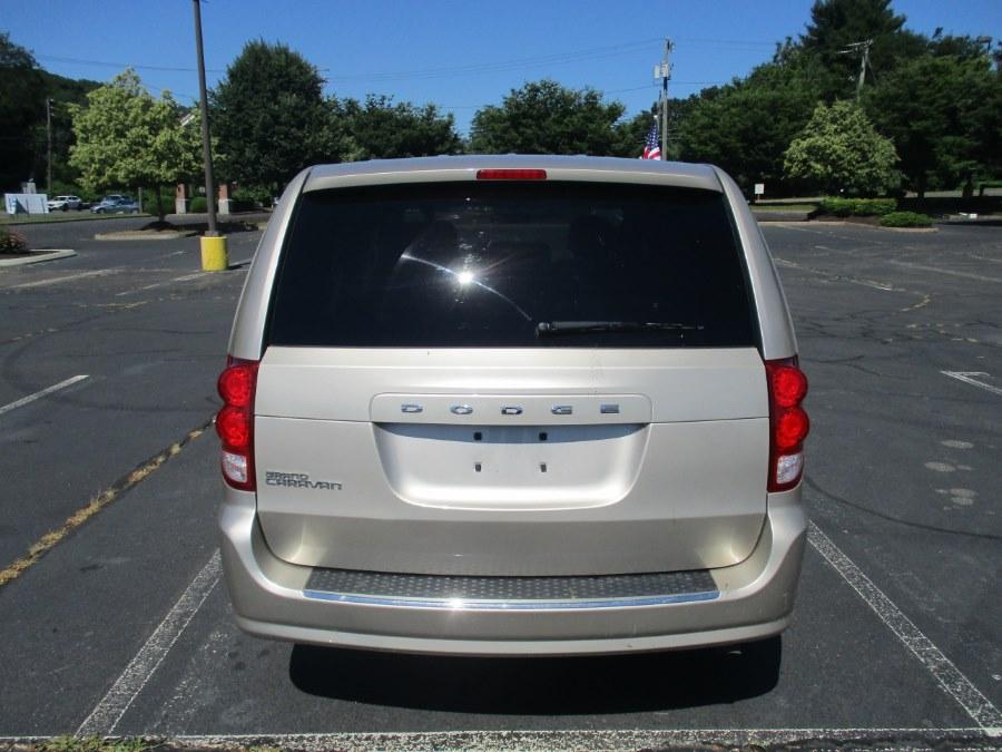 Used Dodge Grand Caravan 4dr Wgn American Value Pkg 2016 | Universal Motors LLC. New Britain, Connecticut