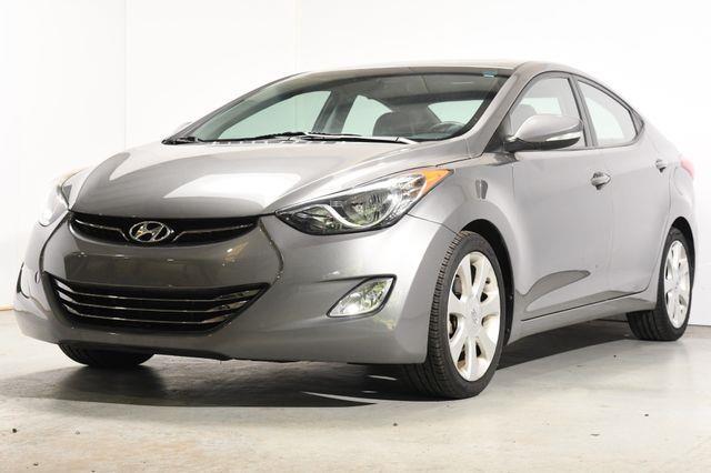 The 2013 Hyundai Elantra GLS photos