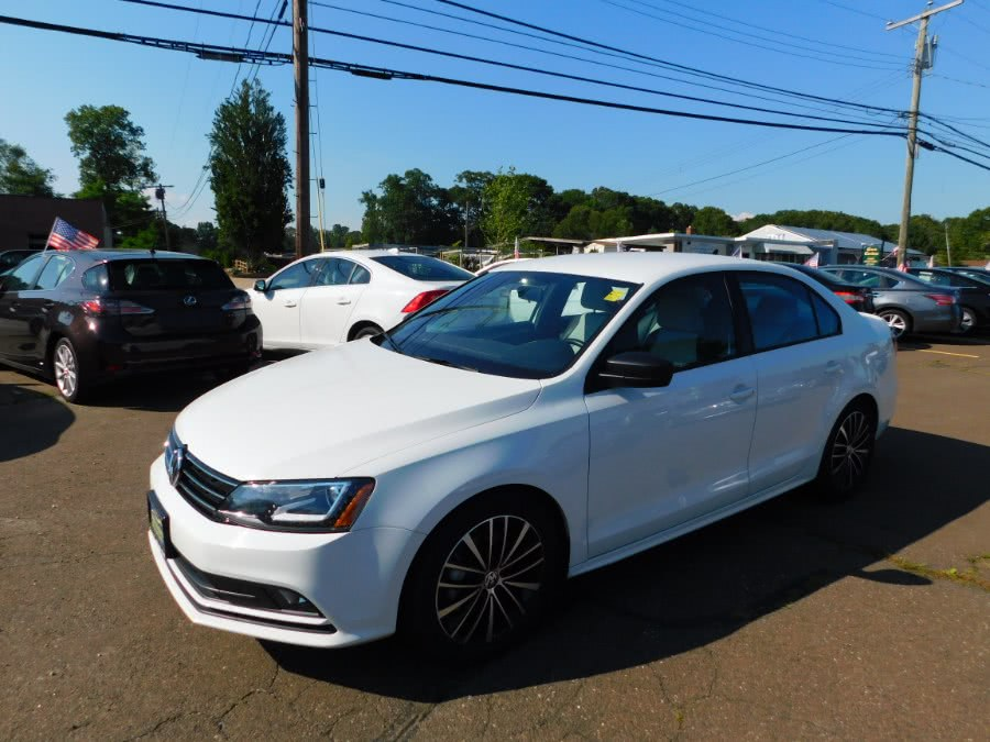 Used Volkswagen Jetta Sedan 4dr Auto 1.8T Sport PZEV 2016 | M&M Motors International. Clinton, Connecticut