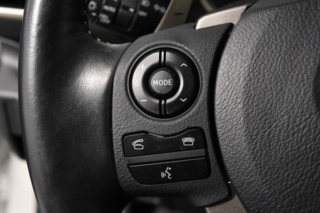 2016 Lexus IS 300 photo