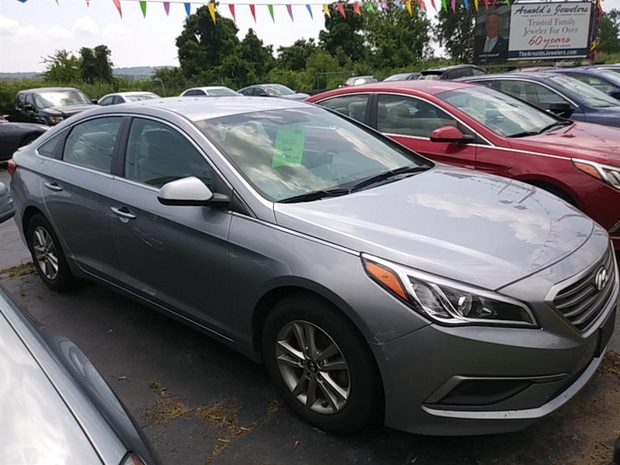 Used Hyundia Sonata Se 2017 | 5M Motor Corp. Hamden, Connecticut