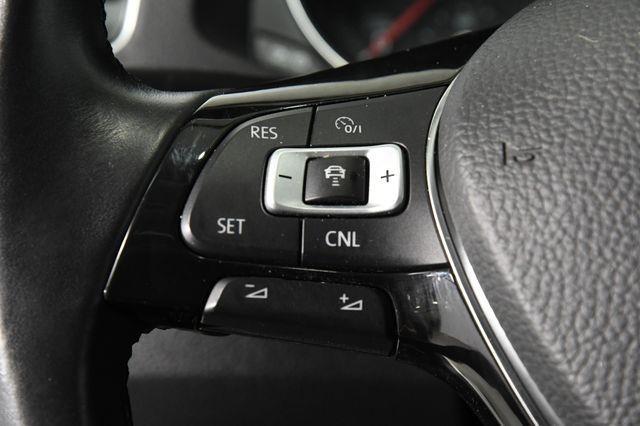 2016 Volkswagen Passat 1.8T SE w/ Tech photo