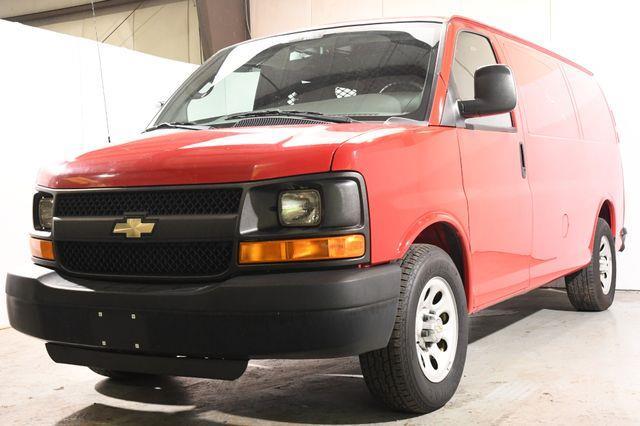 The 2011 Chevrolet Express 1500 1500 photos