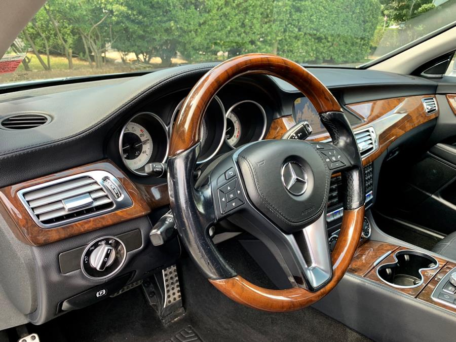 Used Mercedes-Benz CLS-Class 4dr Sdn CLS550 4MATIC 2012 | Luxury Motor Club. Franklin Square, New York