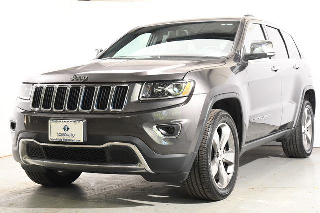 The 2016 Jeep Grand Cherokee Limited V8/ 20