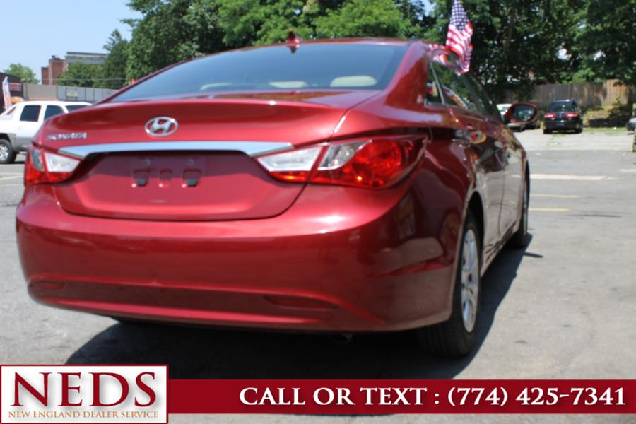Used Hyundai Sonata 4dr Sdn 2.4L Auto Ltd PZEV w/Wine Int *Ltd Avail* 2011 | New England Dealer Services. Indian Orchard, Massachusetts