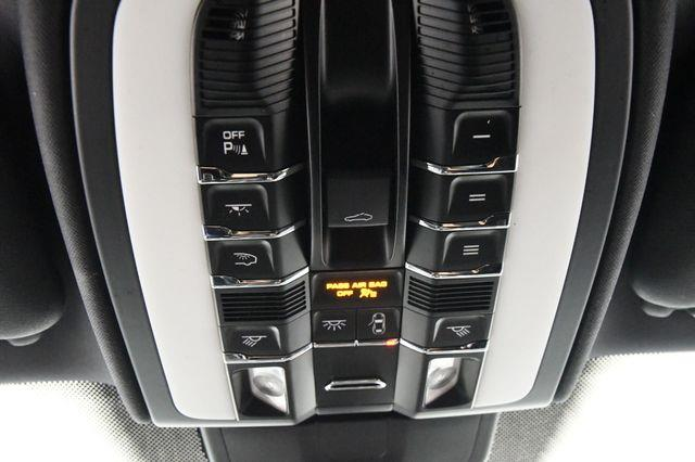 2016 Porsche Cayenne UTILITY photo
