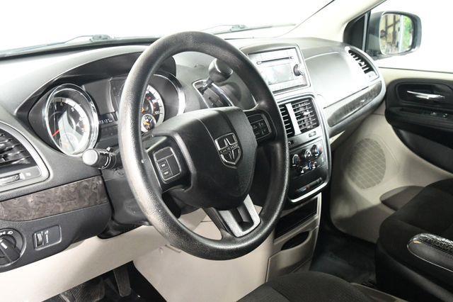 2016 Dodge Grand Caravan SE photo