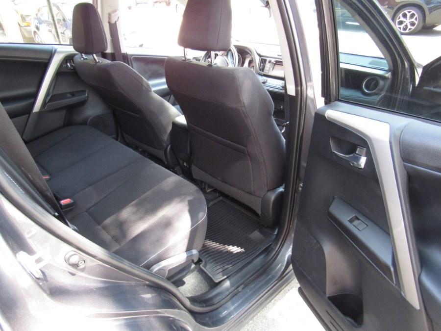 Used Toyota RAV4 XLE FWD (Natl) 2018 | Deals on Wheels International Auto. Levittown, Pennsylvania