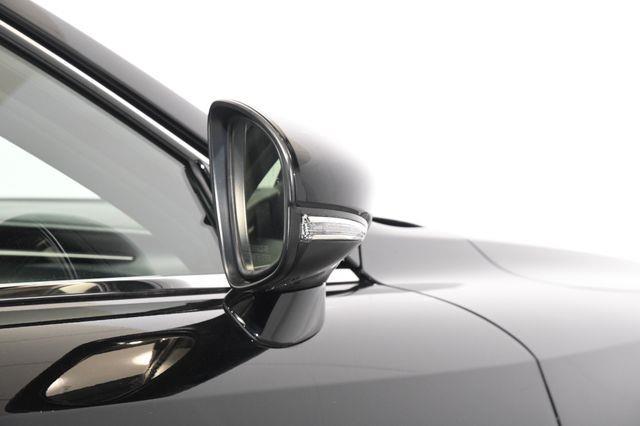 2016 Lexus IS ort photo