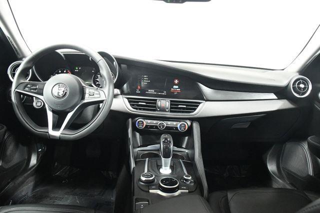2017 Alfa Romeo Giulia Q4 w/ Nav/ Blind Spot/ Safety  photo