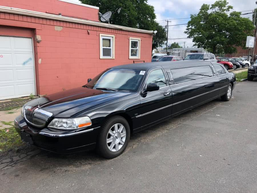 Used 2008 Lincoln Town Car in New Haven, Connecticut | Primetime Auto Sales and Repair. New Haven, Connecticut