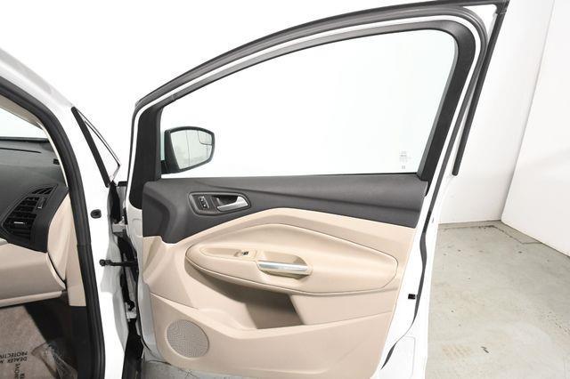 2016 Ford C-Max Energi SEL photo