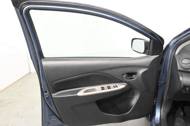 2010 Toyota Yaris photo