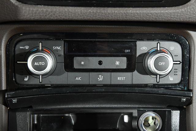 2016 Volkswagen Touareg Sport w/Technology photo