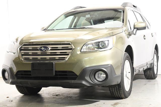 The 2016 Subaru Outback 2.5i Premium photos