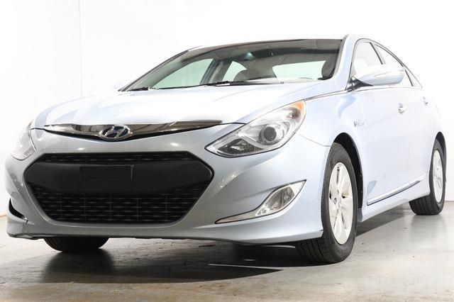 The 2013 Hyundai Sonata Hybrid photos