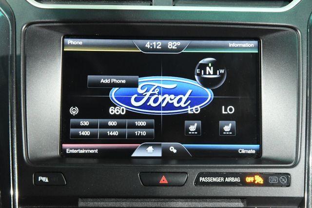 2016 Ford Explorer XLT w/ Nav & Heated Seats photo