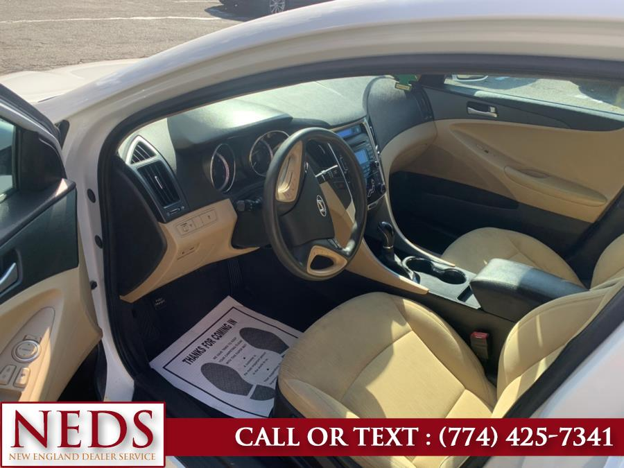 Used Hyundai Sonata 4dr Sdn 2.4L Auto GLS *Ltd Avail* 2011 | New England Dealer Services. Indian Orchard, Massachusetts